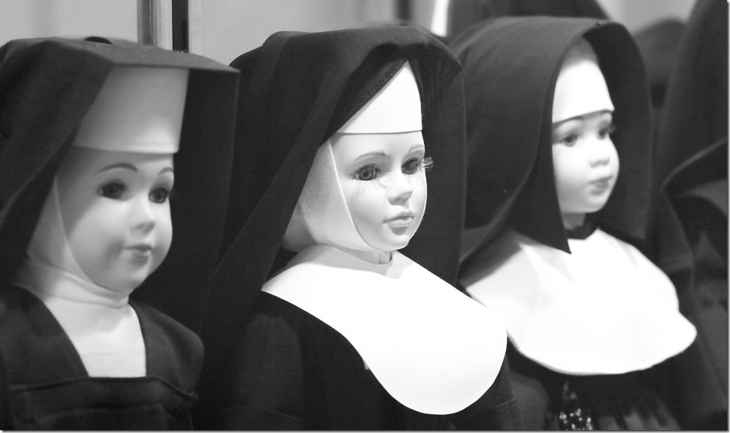 Nuns_SDI2697