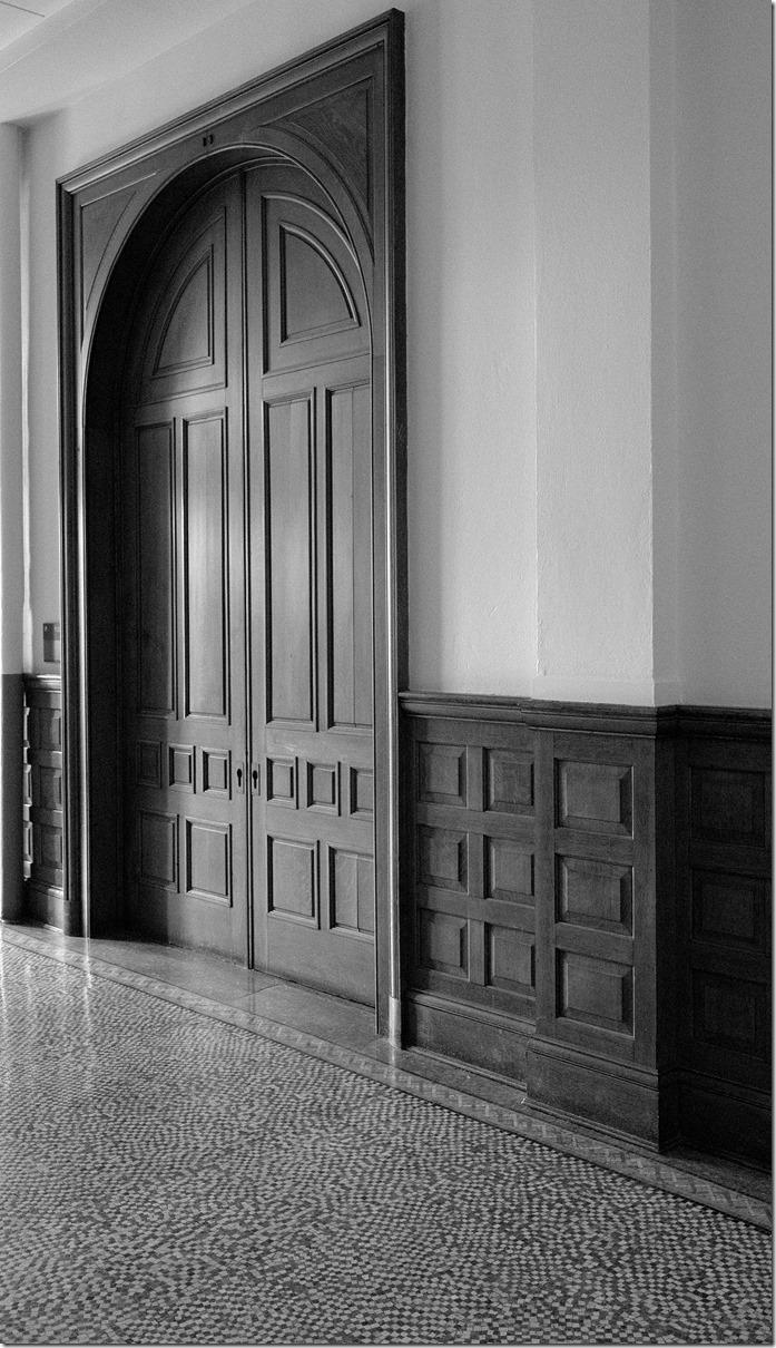 The Deans Door L1002984