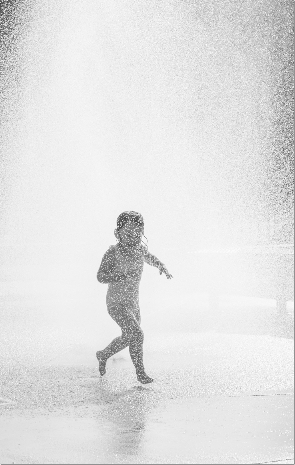 Norah in Water BW _DSC8049