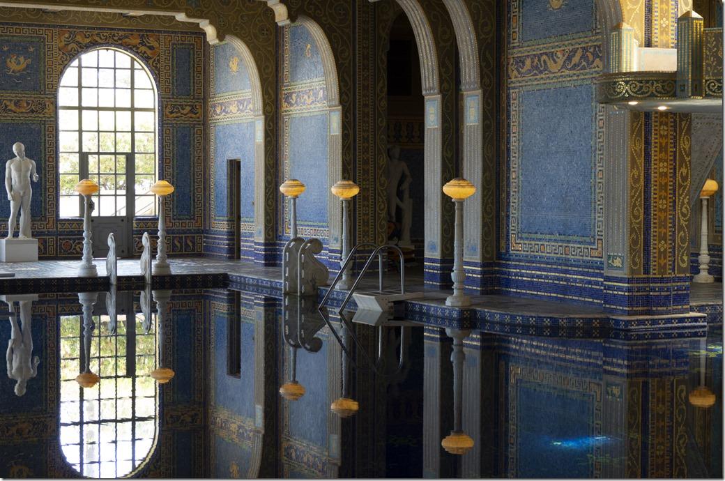 Roman Pool L2210172